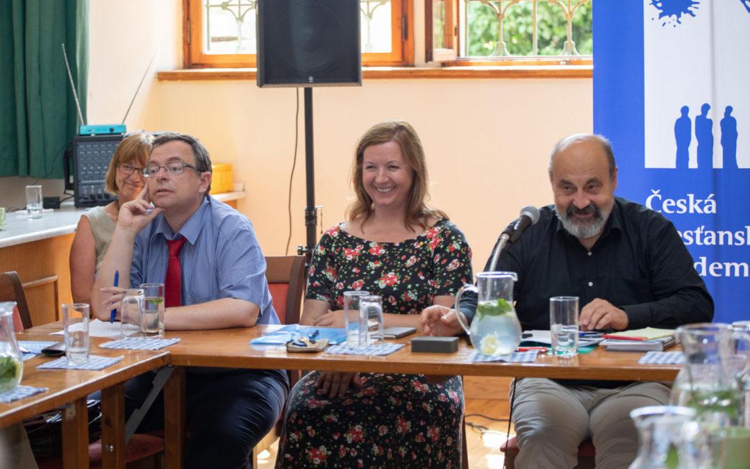Zasedání akademického výboru v Praze